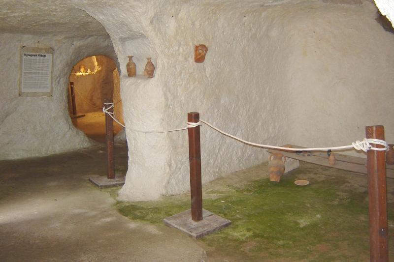 Villaggio Ipogeo, camere comunicanti