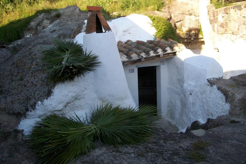 Villaggio Ipogeo, ingresso