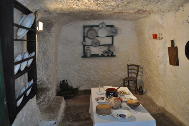 Villaggio Ipogeo, ricostruzione